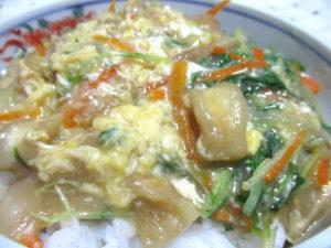 水菜と麩の卵とじ丼