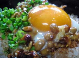 焼き納豆丼