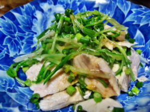 茹で鶏と水菜の辛子ソース
