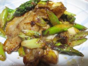 アスパラガスと豚バラ肉の中華炒め